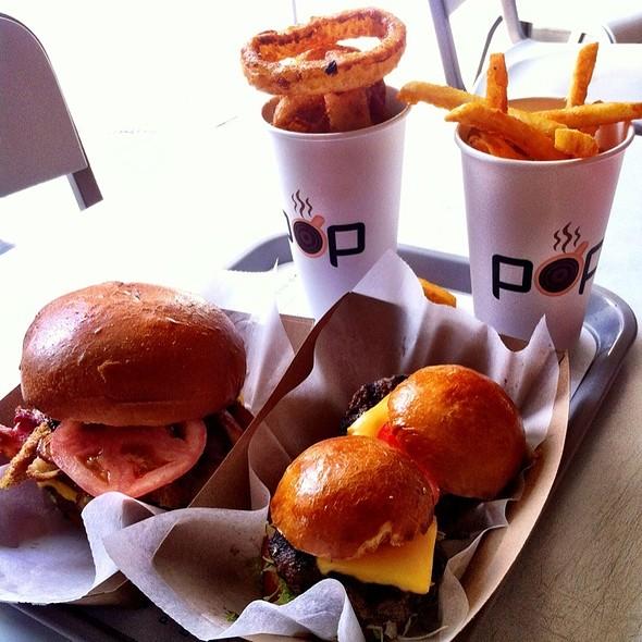 Pop Burgers, Superman, Fries, Onion Rings