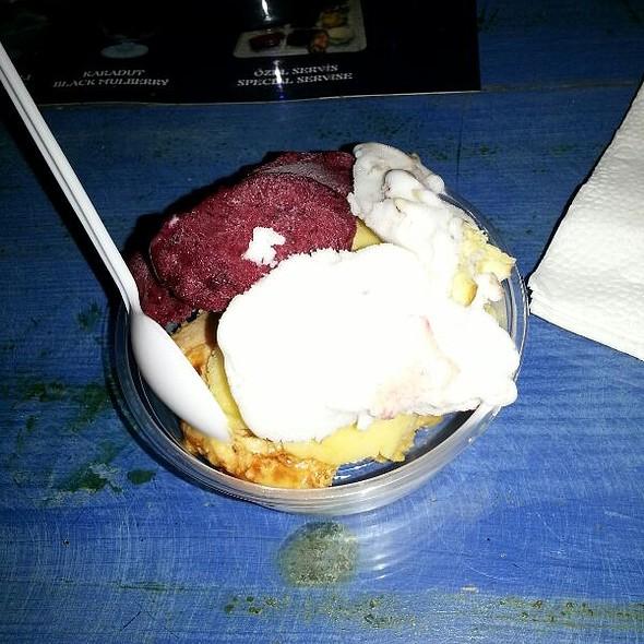Ice Cream @ Bitez Dondurmacisi