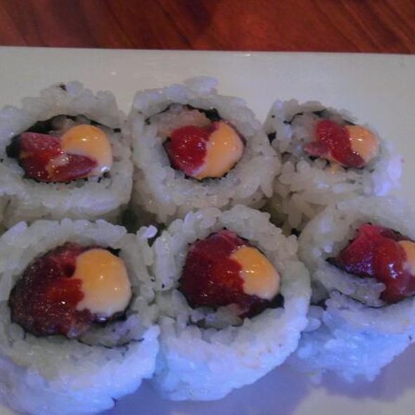 Spicy Tuna Roll @ HOT WOKS COOL SUSHI