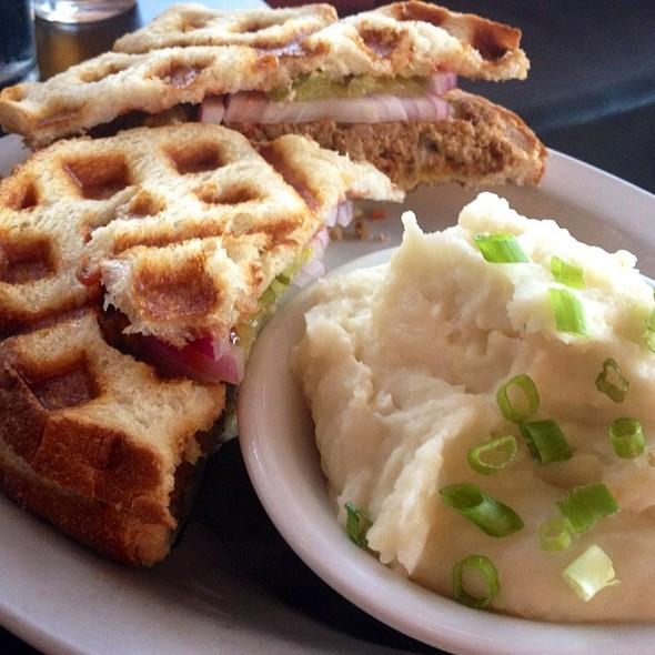 Meatloaf Sandwich @ 24 Diner