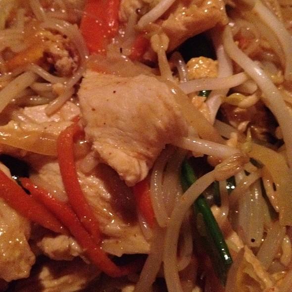 Chicken Pad Thai @ Joy Noodles & Rice
