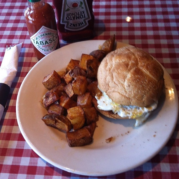 Breakfast Sandwich - Garrett Hill Ale House, Bryn Mawr, PA