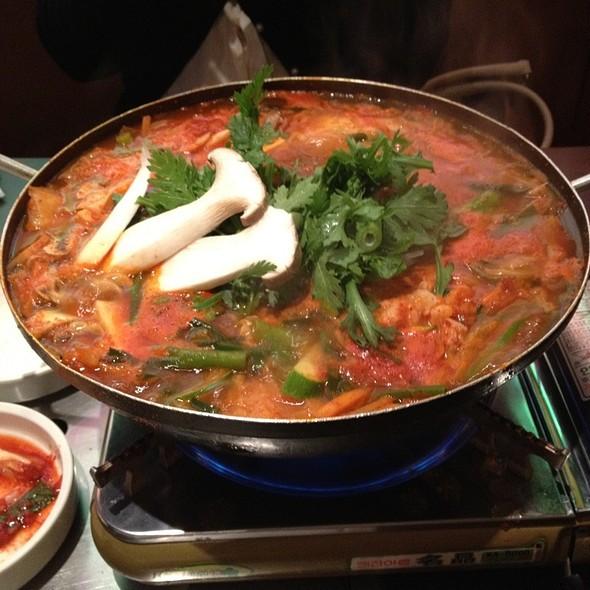 kimchi stew with chicken and tofu recipe dishmaps kimchi stew with ...