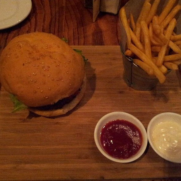 Jalapeno Relish Burger @ Knife