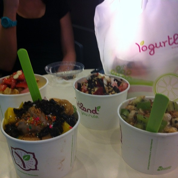 Frozen Yogurt @ Yogurtland