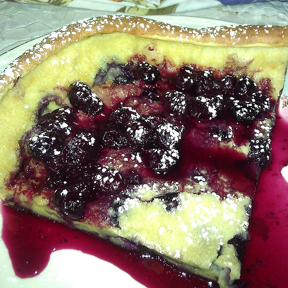 Dutch Pancake @ Applesauce Inn B&B
