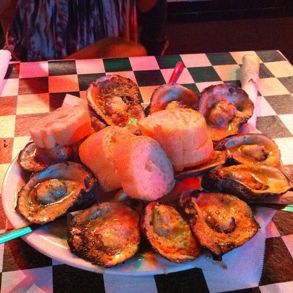 Chargrilled And Raw Oysters @ Acme Oyster House