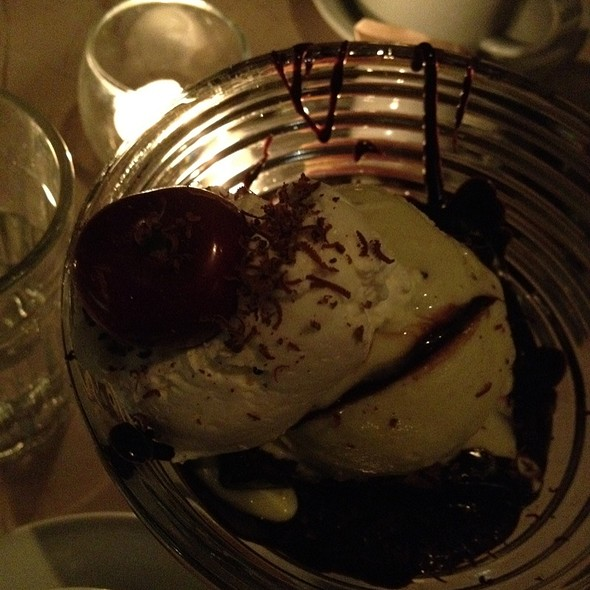 Brownie Sundae @ Chocolate Room