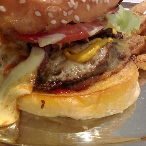 Bill's Burger @ Huxtaburger
