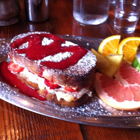 Strawberry toast - Café 21 - University Heights, San Diego, CA