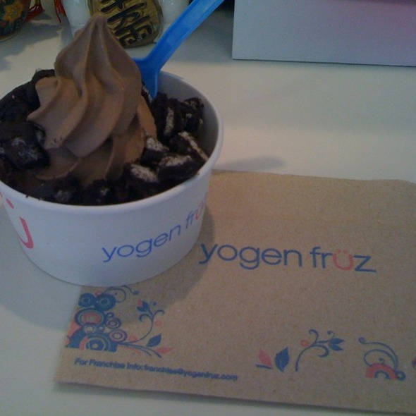 Chocolate Frozen Yogurt @ Yogen Fruz
