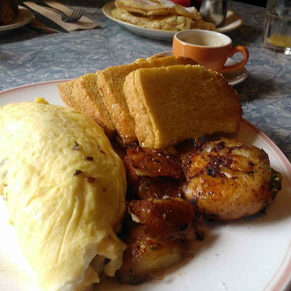 Omelette @ Aunties and Uncles
