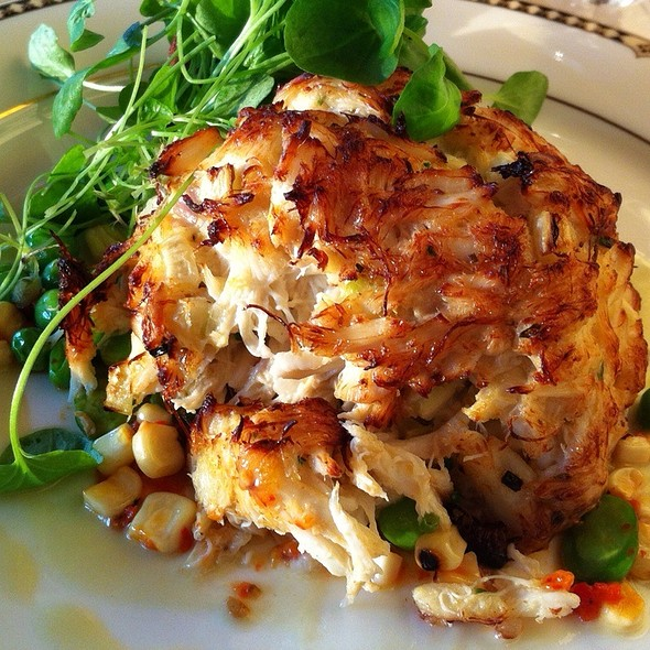 crab cake - The Comus Inn at Sugarloaf Mountain, Dickerson, MD