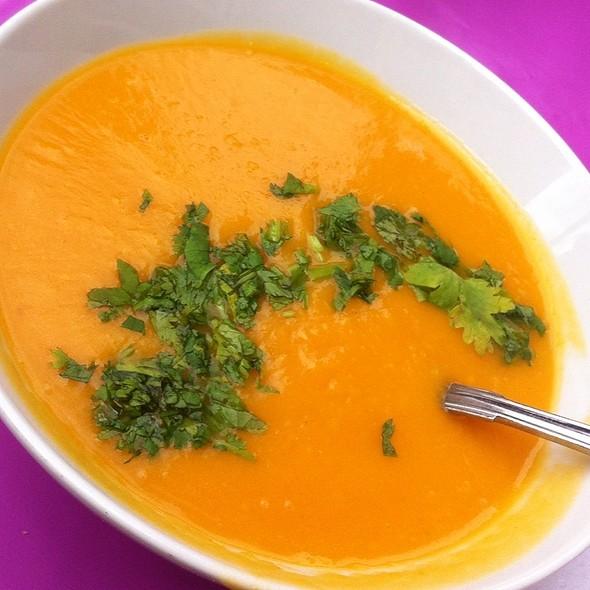Carrot And Ginger Soup @ Hos Morsan