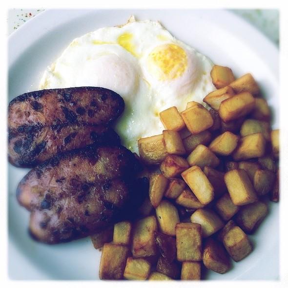 Chicken Apple Sausage And Eggs @ Louis' Restaurant