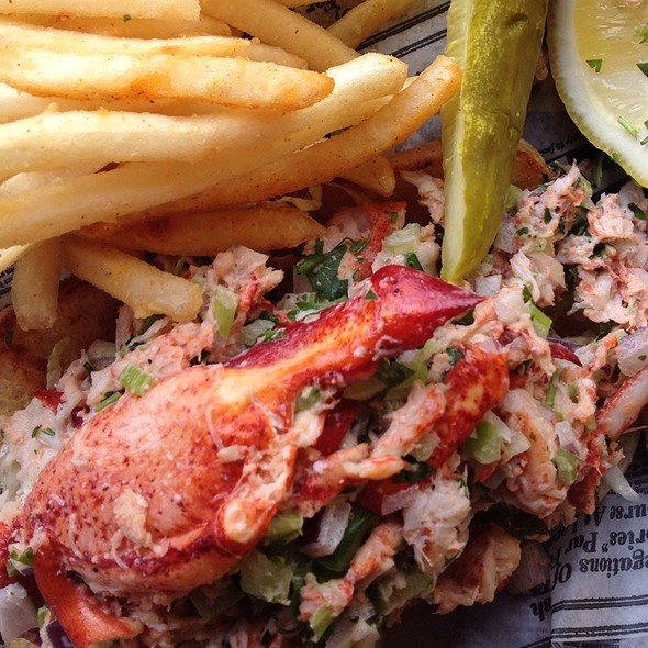 Lobster Roll (Sandwich) @ HogFish Bar & Grille