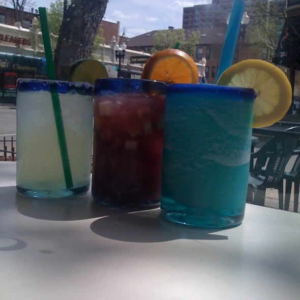 Frozen Blue Margarita, Vodka Lemonade & Sangria @ Chili Mac's 5 Way Chili