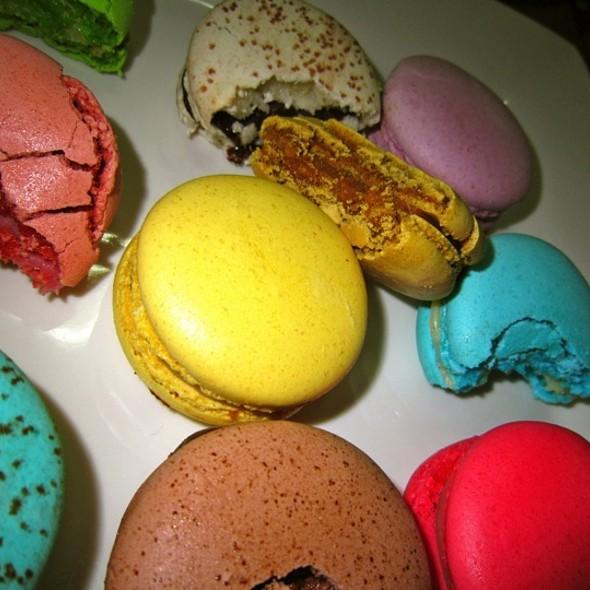 Caramel French Macaroon @ Macaron Tango