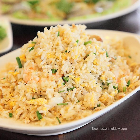 Thai-Styled Fried Rice With Seafood ข้าวผัดทะเล @ บ่อฝ้ายชายทะเล ร้านอาหาร