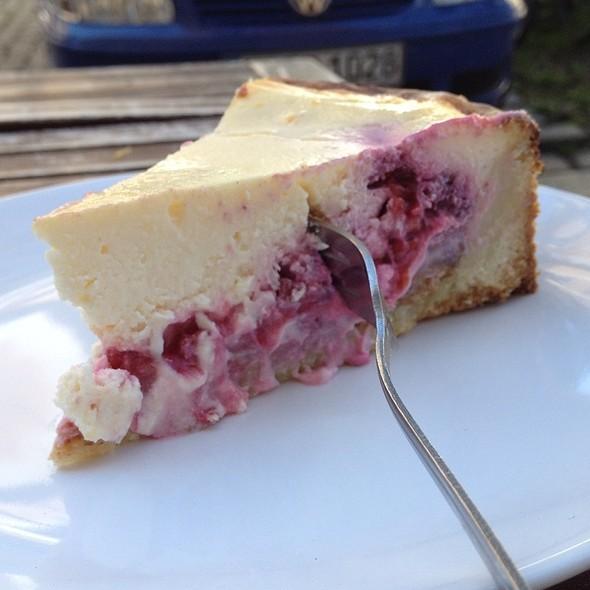 Cheesecake with Berries @ Cafe Bondi