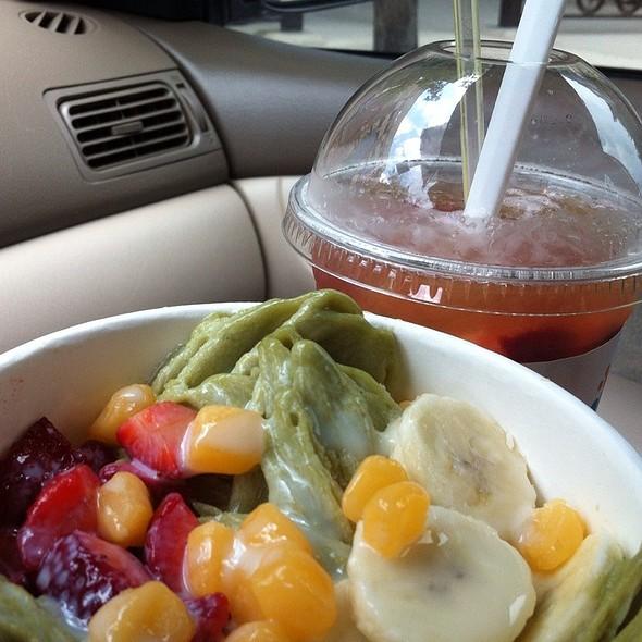 Green Tea Snow And Fruitea @ Sweet Mix