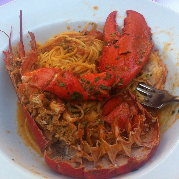 Spaghetti With Red Lobster @ Adriatico