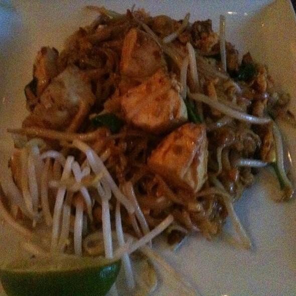 Tofu Pad Thai - Lantern Thai Kitchen, New York, NY