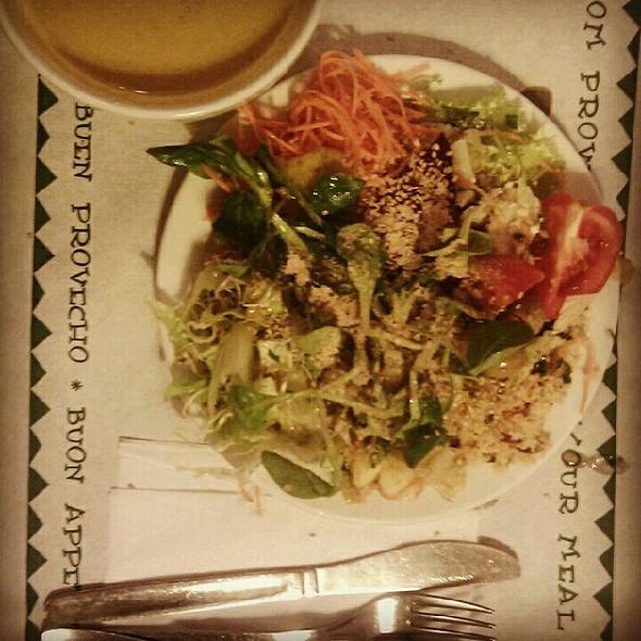 Bufet Ensaladas Y Caldo Verduras @ Restaurante Biocenter