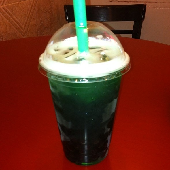 Peppermint Green Tea With Pearls @ mong kok station bakery