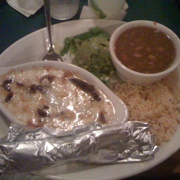 Queso flameado with steak @ Guero's