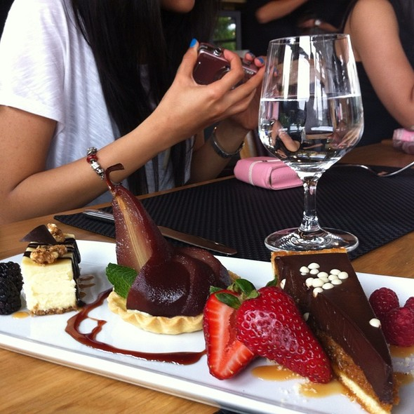 Dessert Sampler Platter - Benchmark, Niagara-on-the-Lake, ON