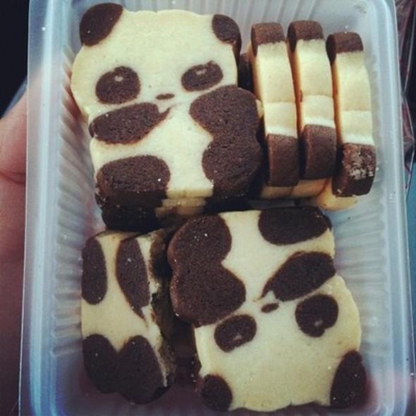 Panda Faced Cupcake @ Calea