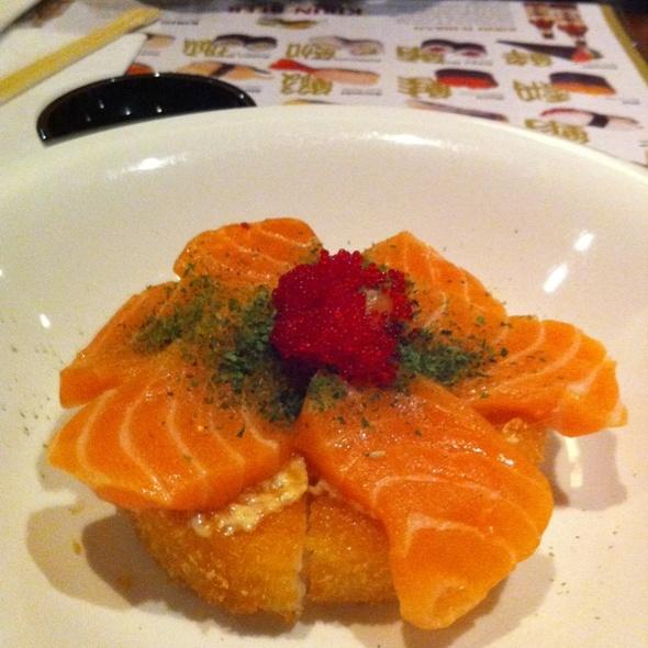 sushi pizza @ Japango Sushi & Noodle Restaurants