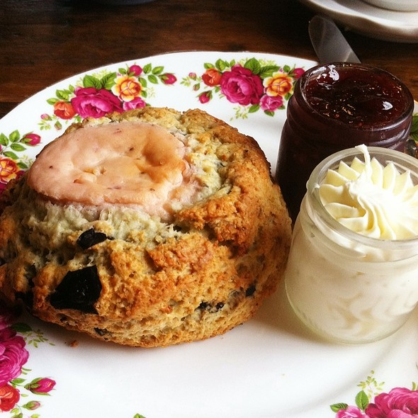 Blueberry Scone With Strawberry Cream Cheese @ A Taste of Britain