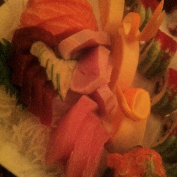 Sashimi Deluxe @ Japonica Restaurant