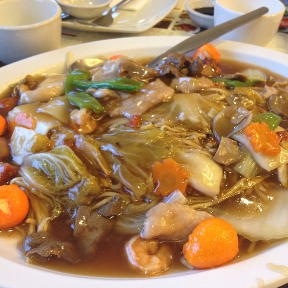 Happy Birthday Noodles @ Yang Chow Dimsum and Tea House