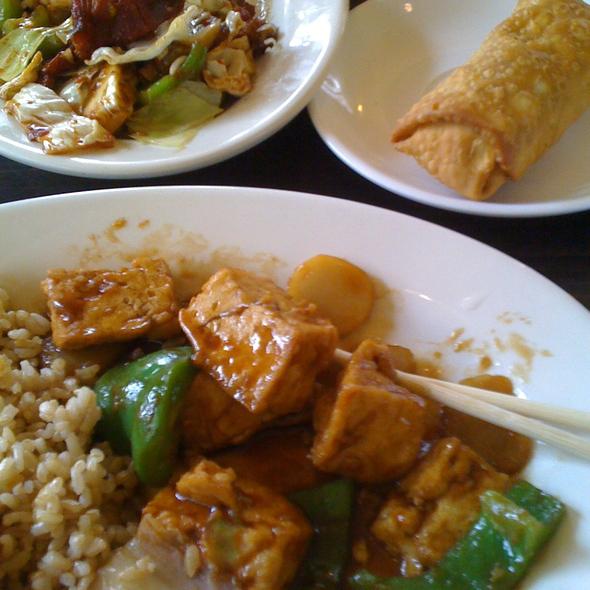 Tofu with Mixed Vegetables @ Plump Dumpling