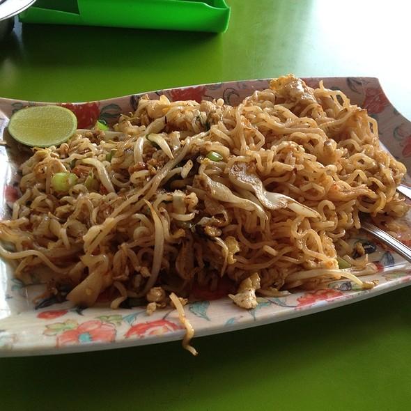 Maggi Goreng @ Restoran Almaz