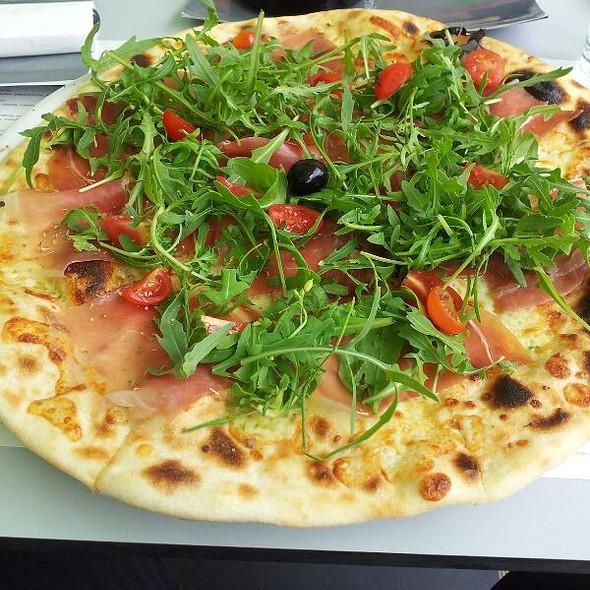 Pizza with prosciutto @ Spizza
