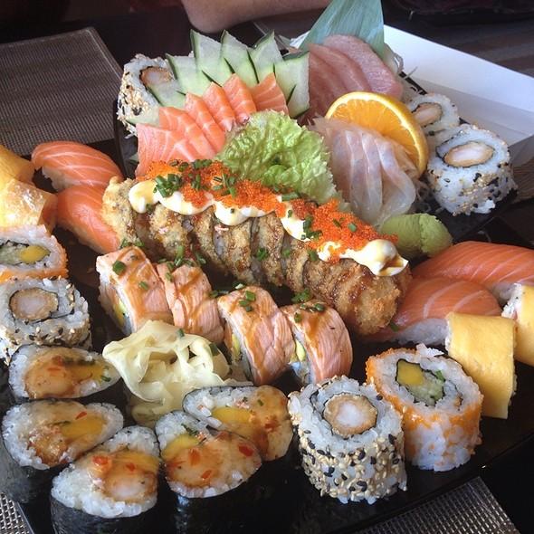 Free Style Mix Sushi @ Kanpai Fusion Sushi