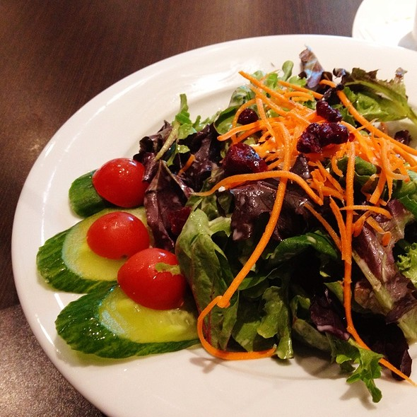 Garden Salad With Organic Greens @ Monk's Grill