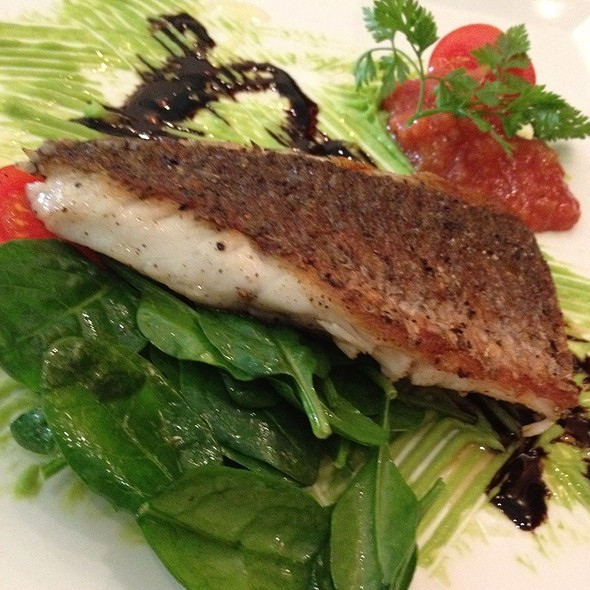 Pan Fried Barramundi With Grilled Tomato Chutney, Avacado, Spinach Salad W Balsamic Dressing