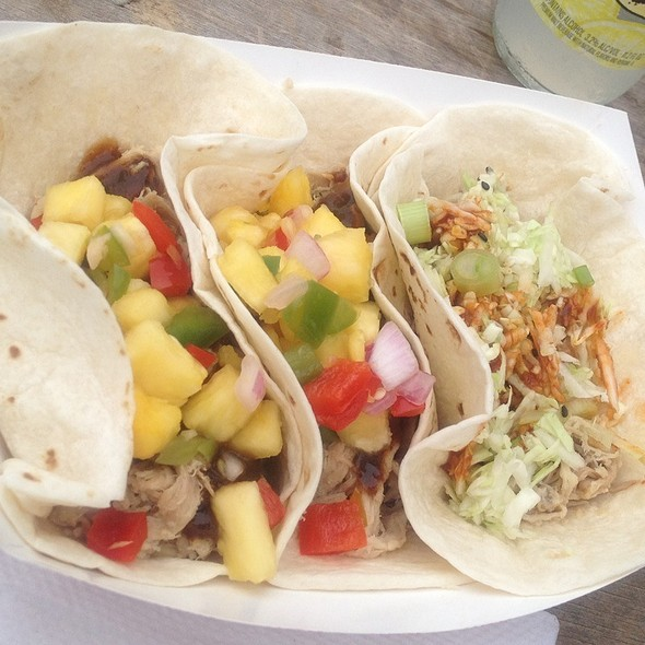 Mix or Matched Pulled Pork Tacos @ The Jolly Pig