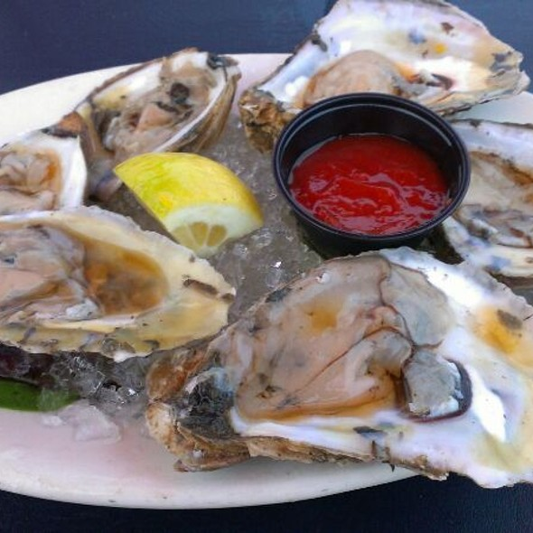 Oysters @ The Clam Hut