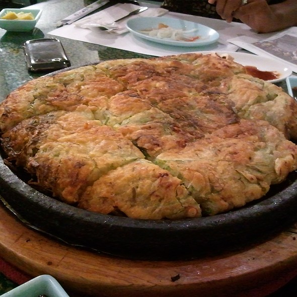 Seafood pancake - Haemul Pajeon - 해물 파전 @ Youngs Korean Restaurant