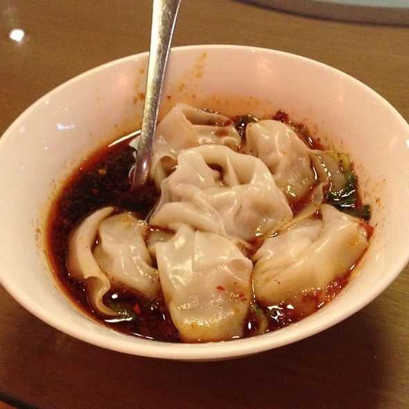 Pork And Prawn Dumplings With Tangy Sauce