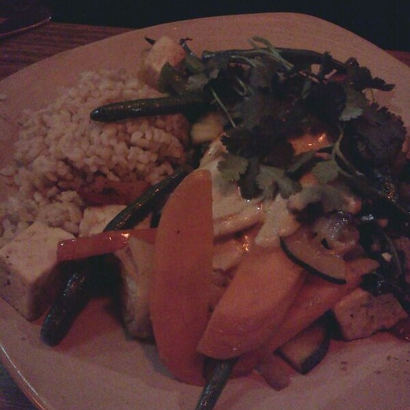 Stir fry With Tahini Sauce @ The Vegie Bar