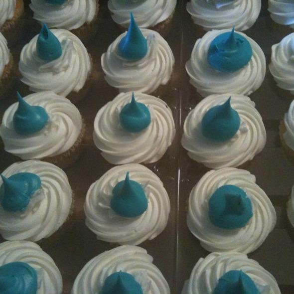 Blue Kiss Cupcake @ Sugarstar