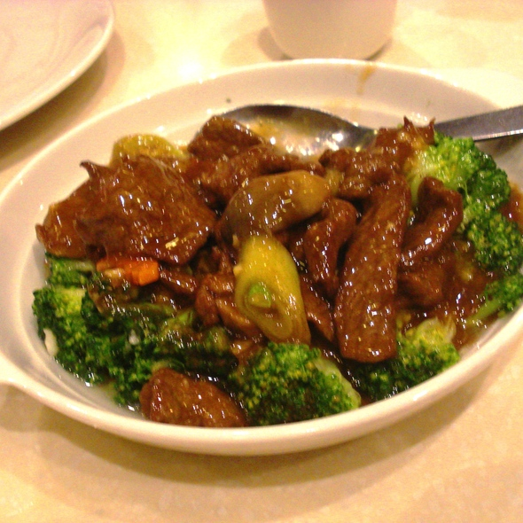 Beef with Broccoli @ Mann Hann