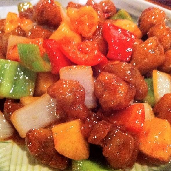 sweet and sour pork @ Sam Woo Restaurant